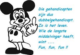 Mickey Mouse met middelvinger omhoog